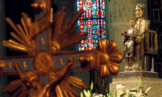 Notre-Dame d'Orcival, trésor auvergnat de l'art roman