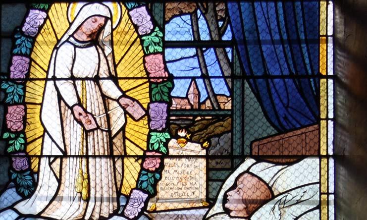 À Pellevoisin, la Vierge Marie apparaît 15 fois à une jeune femme et lui demande de prier pour la France