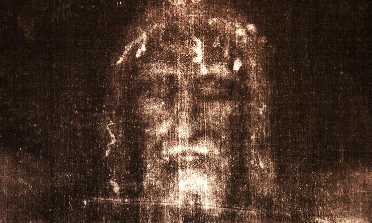 Le Linceul du Christ arraché aux Byzantins se retrouve finalement à Lirey, en Champagne