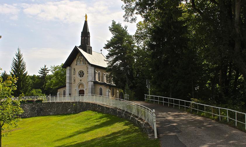 La Bénite Fontaine, précurseur de Lourdes